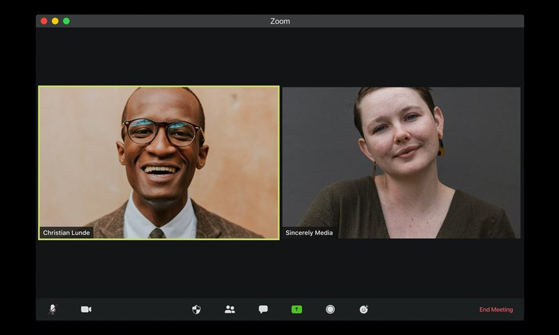 Read more about the article How to Create a Virtual Backroom for your Clients when doing Zoom In-Depth Interviews